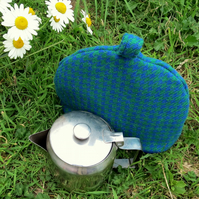 Small tea cosy.  A wool tea cosy.  Made to fit a 2 cup teapot.