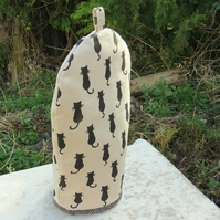 Coffee cosy.  Cats.  A cafetiere cover, size large.  To fit a 6-8 cup cafetiere.