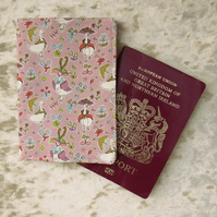 Passport cover.  A passport sleeve made from Liberty Lawn. Baby passport.