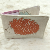 Travelcard Sleeve.  Oyster card cover.  Hedgehogs design.