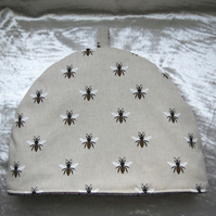 Tea Cosy. Size Medium. Bees design. To fit a 4 - 5 cup teapot.