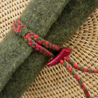 FELTED PENCIL ROLL