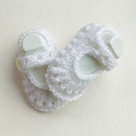Booties,Knitted shoes,White booties,0 3 months,Hand knit,Mary Jane Style,Shoes,