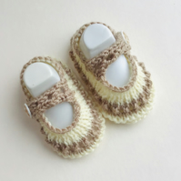 Booties,Knitted shoes,Beige booties,0 3 months,Hand knit,Mary Jane Style,Shoes,