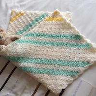 Crochet Baby Blanket Afghan in Cream