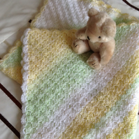 Crochet Baby Blanket in White,Lemon and Green.
