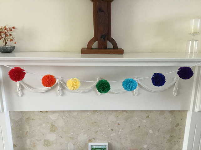 Pompom Garland in the Colours of the Rainbow