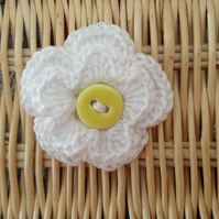 Crochet Flower Brooch Corsage in White and Yellow