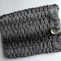 Hand Knitted Kindle Cover