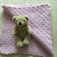 Crochet Baby Blanket in Pink