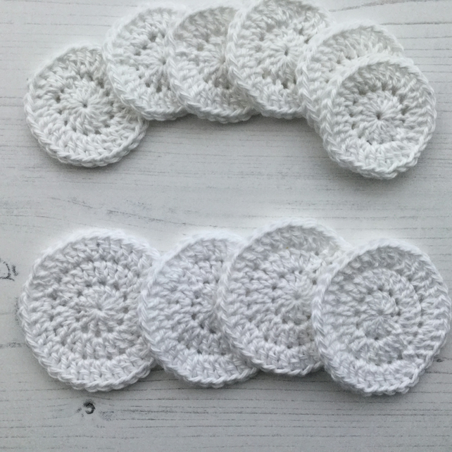Crochet Reusable Makeup Remover Pads in Cotton.