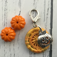 Dorset Button with a Jack'o'Lantern Charm