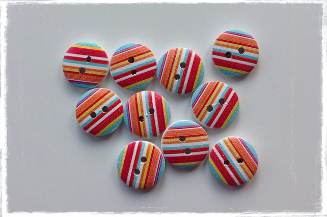 10 x Round Patterned Wooden 2 Holed Button Stripe