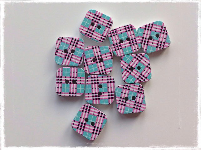 10 x Square Patterned Wooden 2 Holed Button