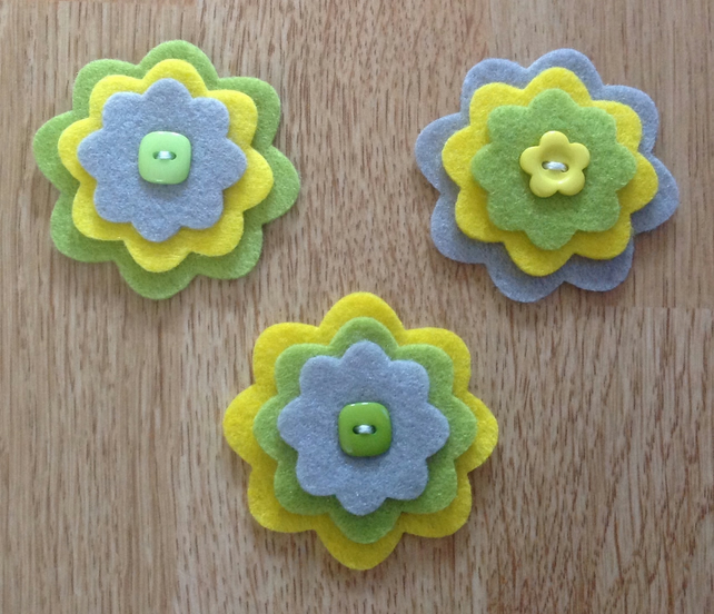 3 x Die-cut Flowers Yellow, Green, Grey