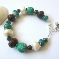 Emerald Bracelet polymer clay, glass, pearls and wood