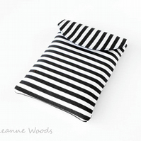 SALE - Kobo Mini eReader Case, Monochrome eBook cover in Black and White Stripe
