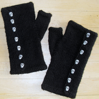 Lesley's  Little Skull  Gloves