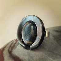 GingerOriginal Vintage Button Ring