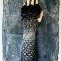 Dragon Scale Gloves - Graphite