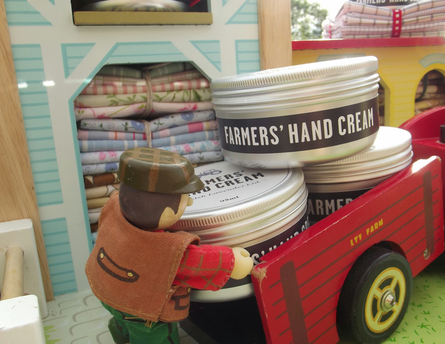 Farmers Hand Cream and Reusable Wipe Gift Set