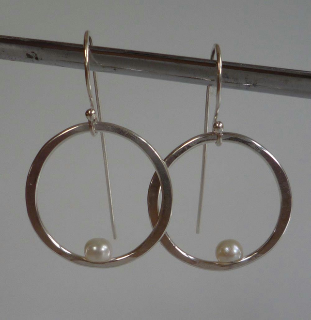 Silver forged earrings freshwater pearl