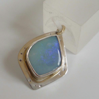 Australian Opal 18ct gold accent 9ct gold bail