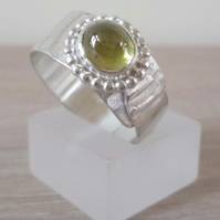Argentium silver ring Sphene gemstone greenish yellow size R