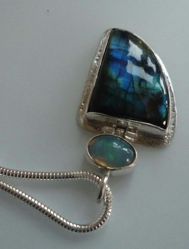 Welo Opal and Labradorite Silver pendant blue flash silver chain