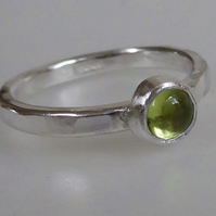Green Peridot set in silver stacking ring size P