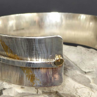 silver cuff 24ct gold accents Keum Boo anticlastic patterned 18ct gold rivets