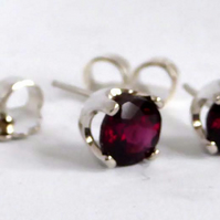 Garnet Argentium silver post & scroll stud earrings