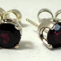 Rhodolite Garnet Argentium post & scroll stud earrings