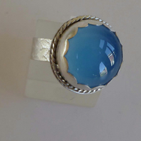 Blue Chalcedony silver ring size P patterned band leaves design