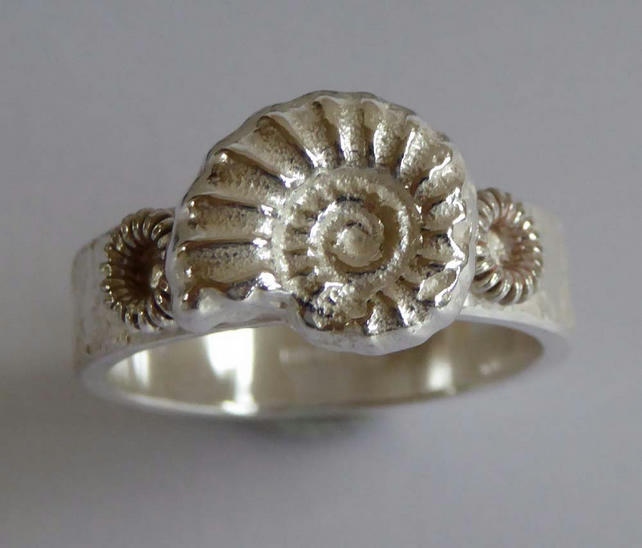 silver fossil ammonite heavy ring size O ready to ship