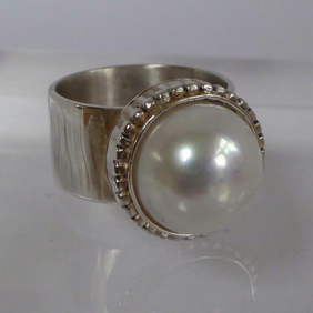 Freshwater white Pearl silver wide statement ring size O