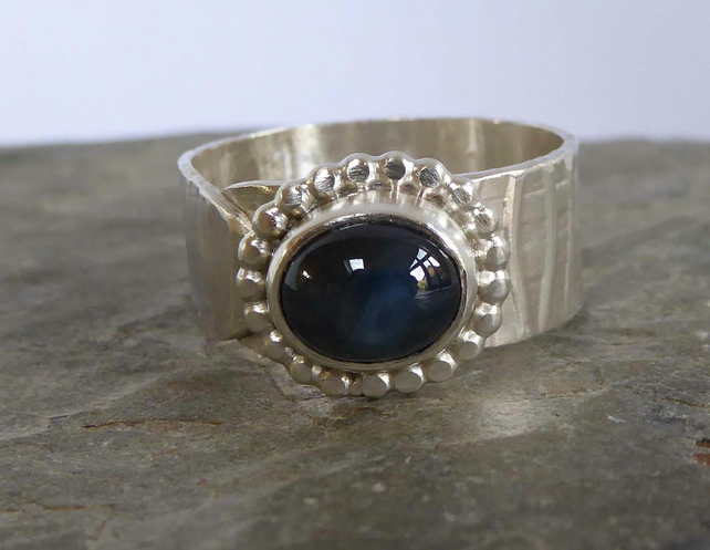 Argentium silver Sapphire patterned ring size O Free Shipping UK