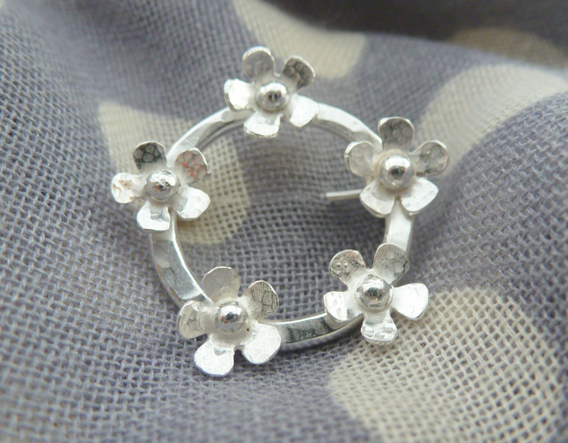 Silver Flower Brooch - Solid Sterling Silver 925 Ring Of Daisies Brooch Handmade