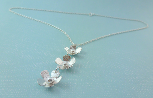 Silver Flower Necklace - Sterling Silver 925 Daisy Chain Flower Pendant Handmade