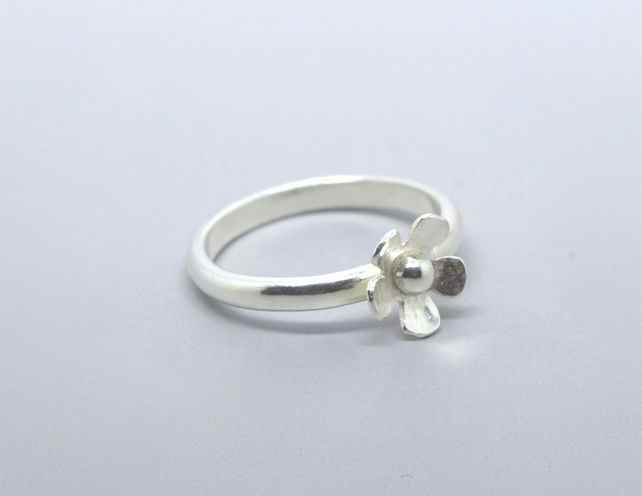 Silver Flower Ring - Solid Sterling 925 Small Daisy Stacking Ring Handmade