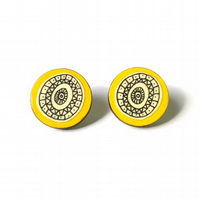 Illustrated Mustard Yellow Geometric Circle Stud Earrings
