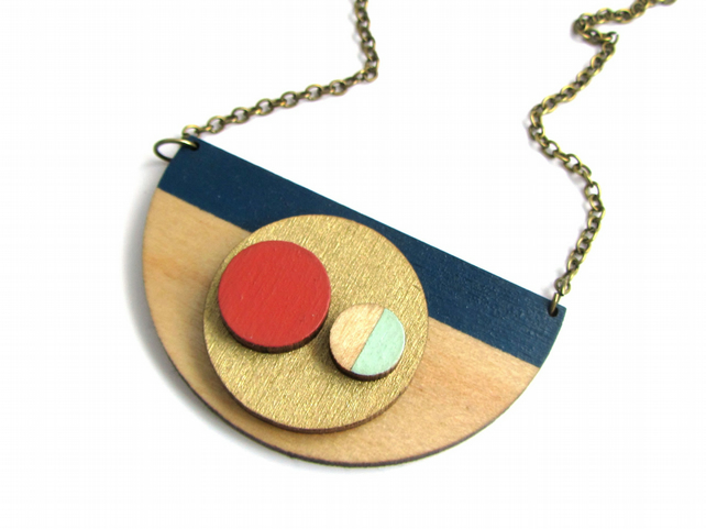 Abstract Stripe Statement Circle Necklace