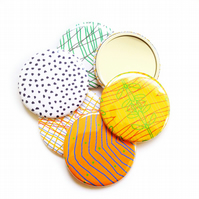 Geometric Patterned Circle Pocket Make Up Bag Mirror