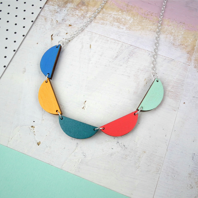 Wooden Geometric Bunting Scallop Necklace