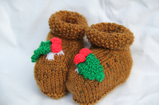 Hand Knitted Christmas Pudding Booties (0-3 Mths)