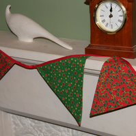 Holly and Stars 8 Flag Bunting