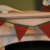 Red and Green Holly 10 Flag Bunting