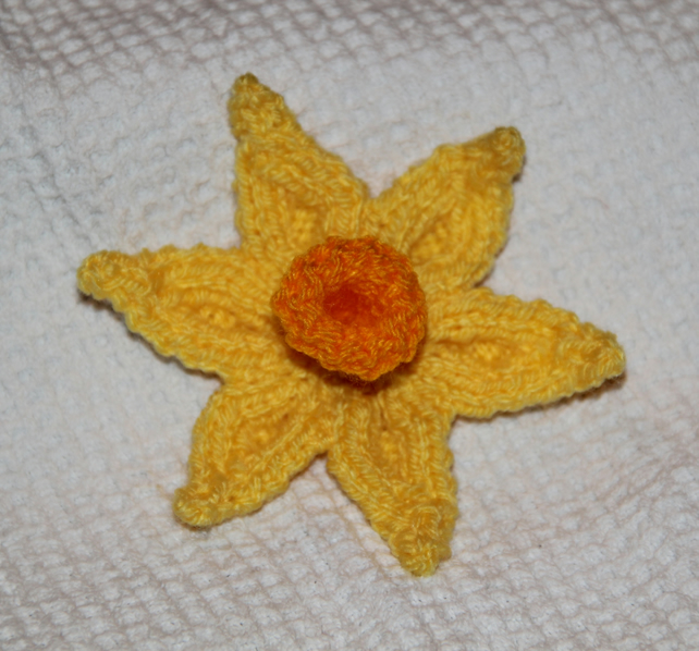 Knitted Daffodil Brooch Pattern : Hand Knitted Daffodil Brooch for Charity - Folksy