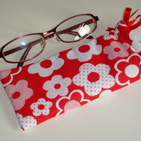 Glasses Case - Drawstring Pouch - Jewellery Pouch - Red White Flowers