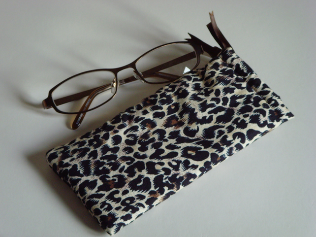 Glasses Case -Drawstring Pouch - Jewellery Pouch - Makeup Pouch - Leopard Print